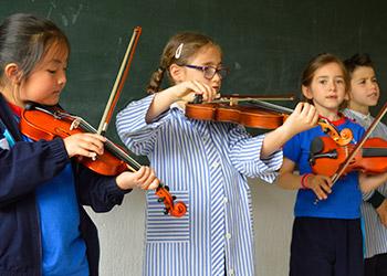 Colegio Trinitarias - Clases Instrumentales